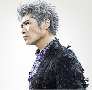 """アルバム『SAMURAI ROCK』は4月17日(水) 発売(3,150円) 通常版の他に初回限定盤も発売される。限定盤はW特典封入スペシャル・パッケージ仕様で【DVD】 今作のレコーディングの様子を収めた、アルバム・メイキング映像を収録。 【オリジナル・グッズ】SAMURAI ROCKオリジナル""""サバイバル・コール"""""""