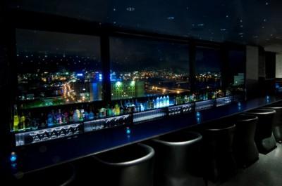丸々が総合監修したロワジールホテル 函館の夜景バー エステラード