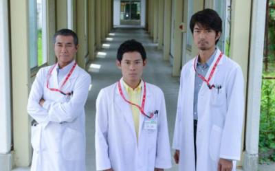 フジ系『螺鈿迷宮』に出演する(左から)柳葉敏郎、伊藤敦史、仲村トオル。 (C)フジテレビ