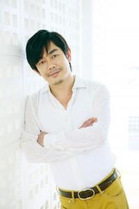 宮沢和史はTRICERATOPSと期間限定でバンドを結成。ライブ音源を収録したスペシャルCDを11月上旬にリリースする。