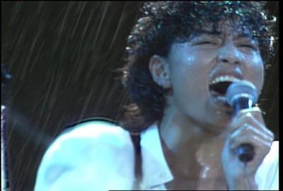 同じく昭和40年生まれのミュージシャン・岡村靖幸。 (c)BEATCHILD1987 製作委員会