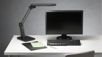 【S40News!】机上の明るさを一定に保つLEDデスクライト。