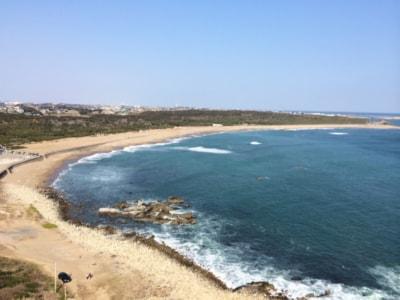 灯台より海