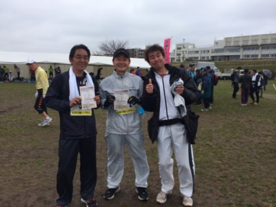 ゴール後の記念撮影。3人ともうれしい完走だ