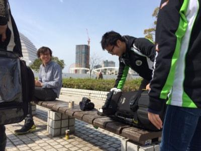 イベント会場では参加者に混じって積極的にコミュニケーションする。日本一を目指すライダーとは思えぬ気さくな渡辺選手だ