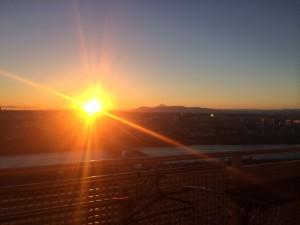 大晦日の夕陽を眺めながら、感謝の気持ちをつよくするのが僕の恒例行事だ